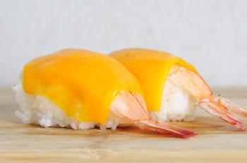 Sushi gambas cheddar