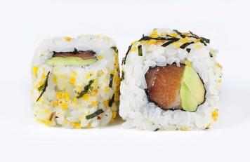 Salmon Furikake Roll
