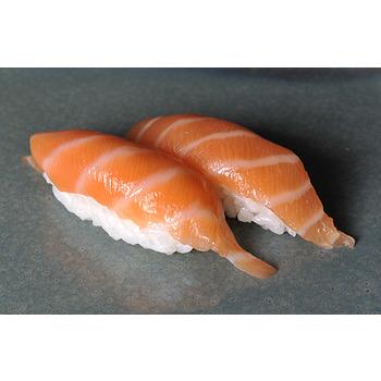 Sushi salmón