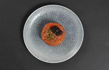 Tartar de salmón con trufa