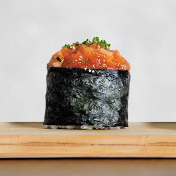 Sushi tartar de atún picante